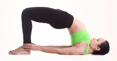 Mắc bệnh thoái hóa khớp gối có nên tập yoga không?